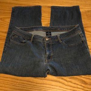 Faded glory jean capris size 14